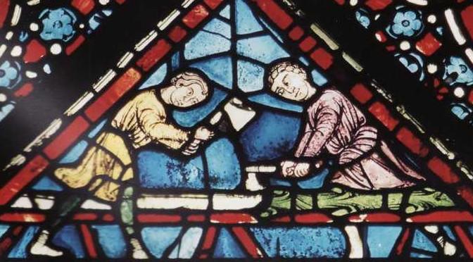 © F. Renucci  - Vitrail de Chartres : charpentiers scandinaves en train d'équarrir.